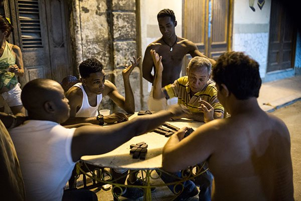cuban-people-playing